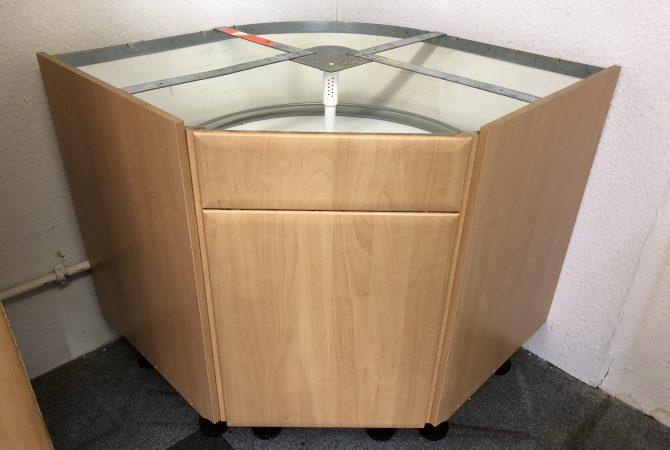 Eck-Unterschrank mit Rondell